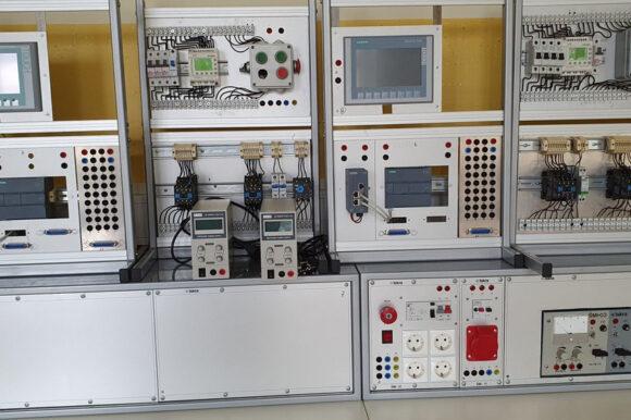 (Slovenian) A015 – učilnica elektrotehnike