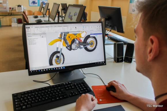 (Slovenian) B113 – učilnica za računalniško podprte tehnologije