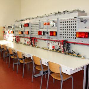 B007 – delavnica za avtoelektriko in elektroniko