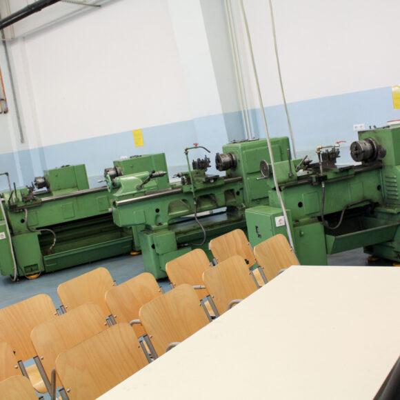 B010 –delavnica mehanske obdelave (struženje, frezanje, brušenje)