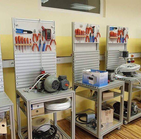 A012 – učilnica mehatronike