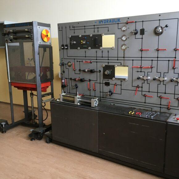 B111 – učilnica za hidravlične sisteme