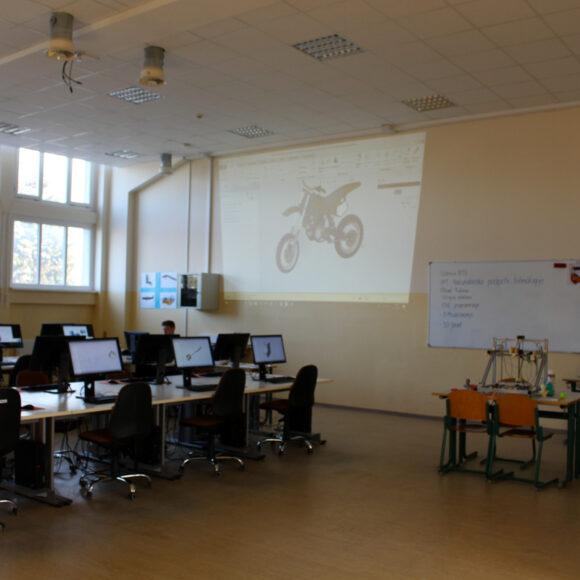 B113 – učilnica za računalniško podprte tehnologije